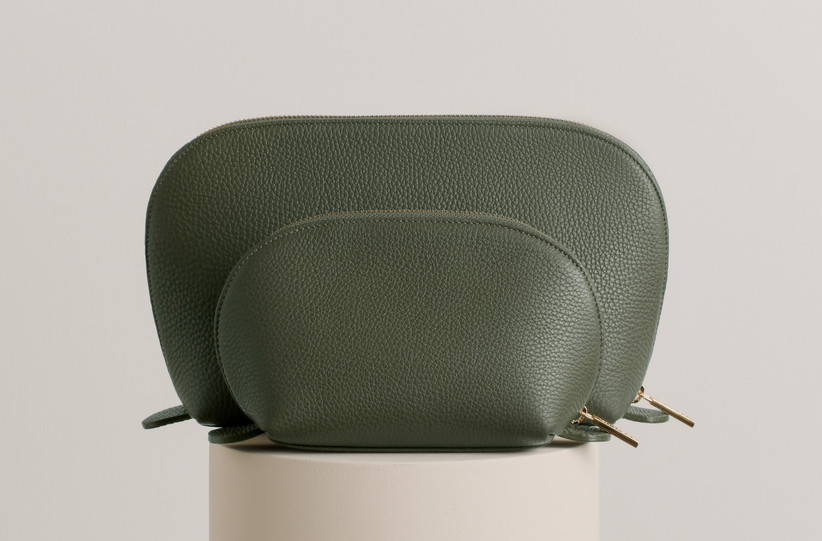 Leather toiletry bag set for traveling