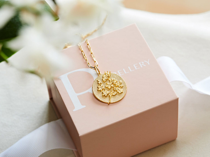 Beautiful gold-plated birth flower necklace stepmom gift idea