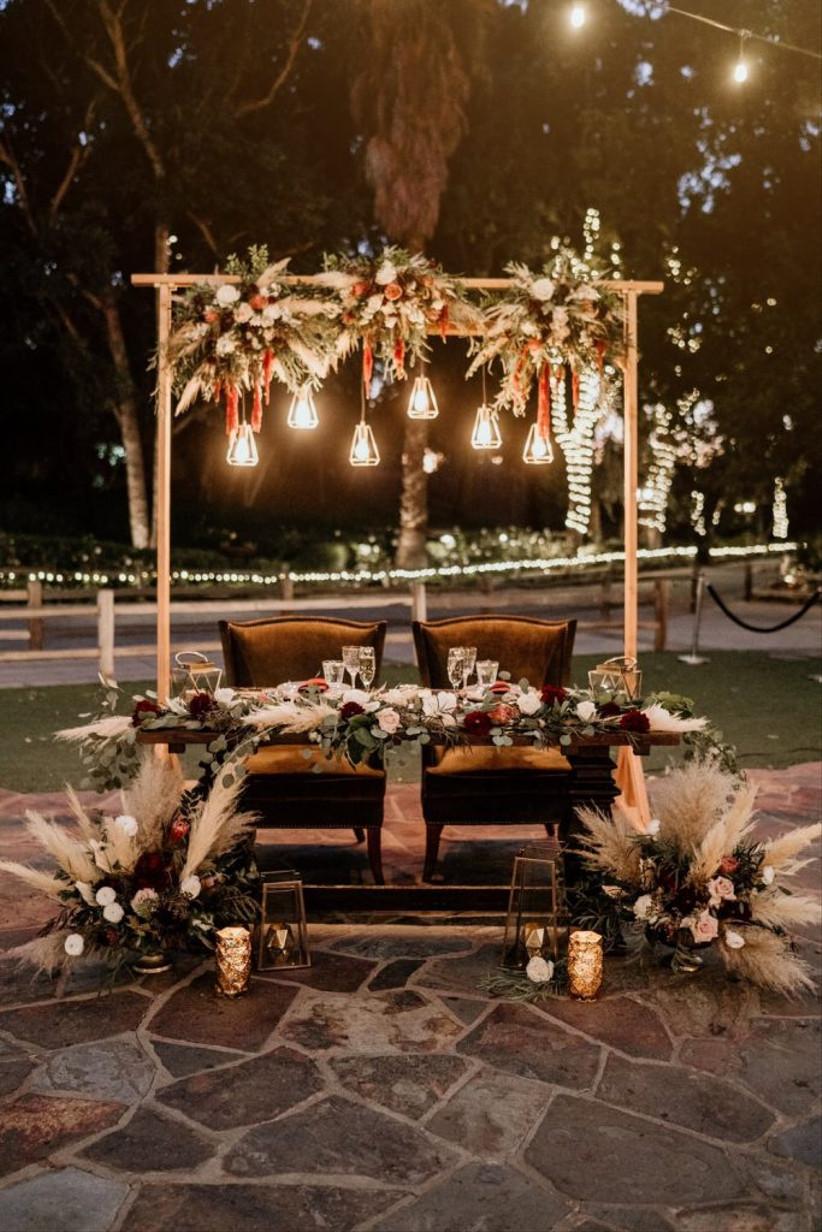 christmas reception sweetheart table