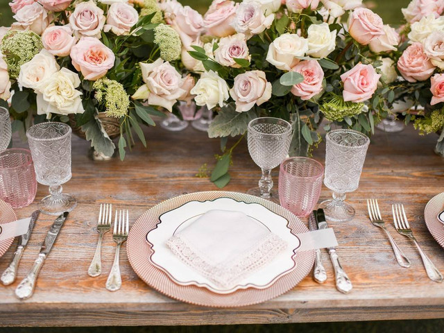 21 Granny Chic Wedding Ideas to Try If You Love Pastels and Flowers