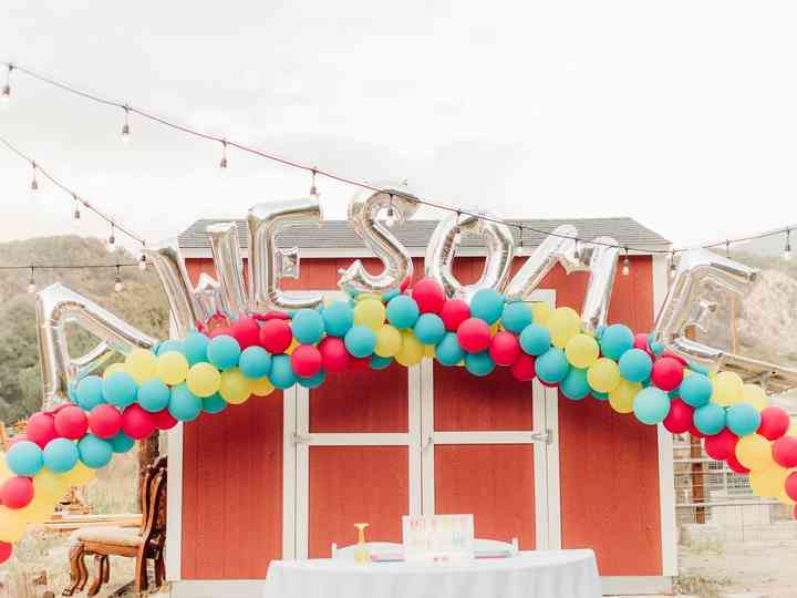 These 90s Wedding Ideas Are All That And A Bag Of Chips Weddingwire