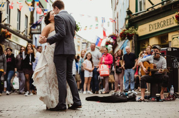 6 Beautiful Irish Wedding Traditions & What They Mean