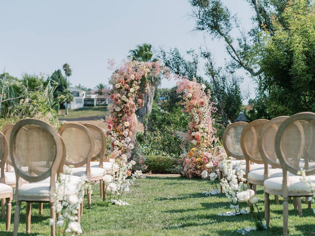 18 Types of Wedding Chair Rentals to Add to Your Decor List - WeddingWire