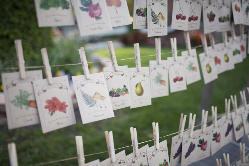 spring wedding idea seed packet wedding favors