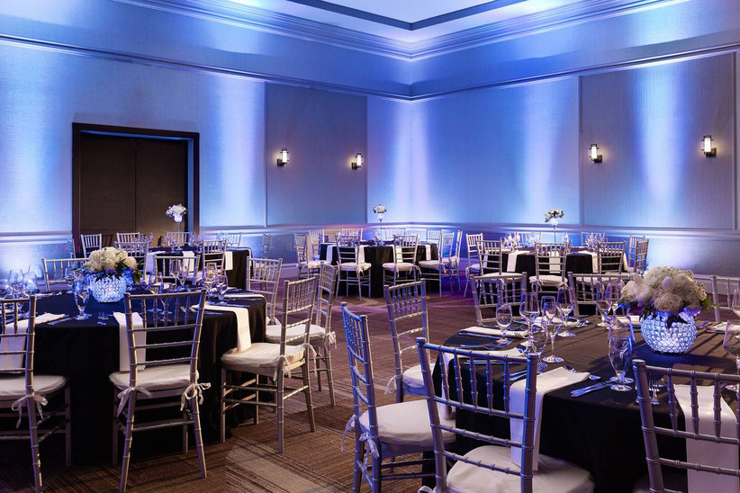 reception area of marriott savannah riverfront