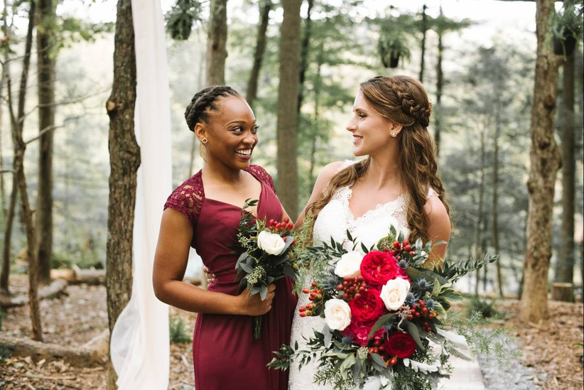 Maid Of Honor Vs Matron Of Honor What S The Difference Weddingwire