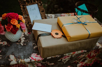 6 Wedding Gift Etiquette Rules All Guests Should Know