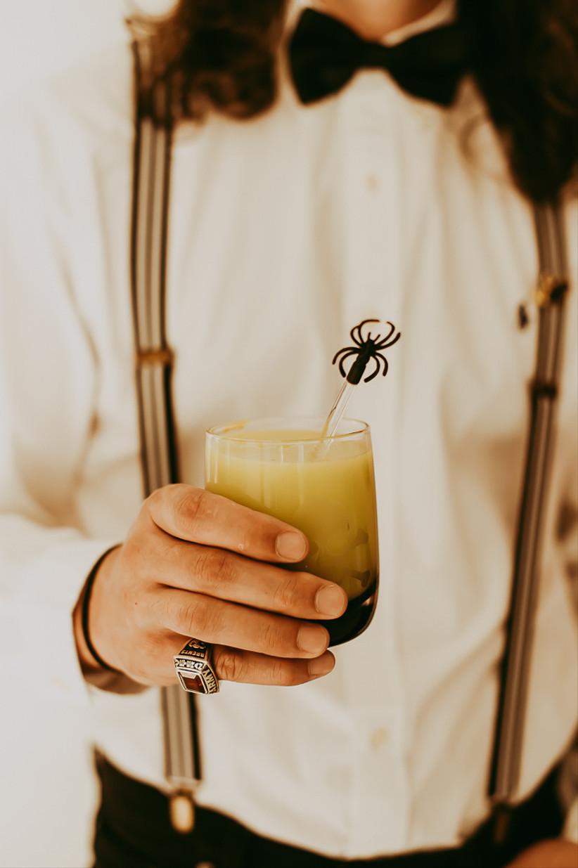 gothic wedding idea spider drink stir sticks