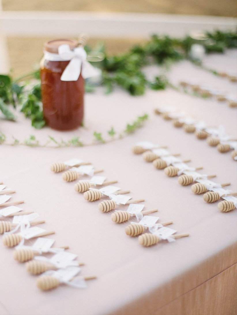 rustic wedding favors mini honey dipper sticks