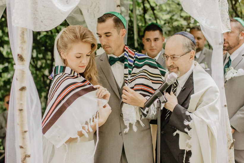 How To Attend Your First Jewish Wedding Weddingwire