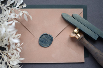 How to Use Wax Seals for Your Wedding Invitations (And What to Buy)