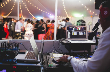 15 Essential Questions to Ask a Wedding DJ or Band