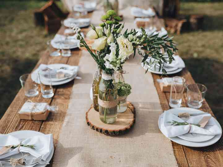 Rehearsal Dinner 101 Etiquette Ideas Planning Tips Weddingwire