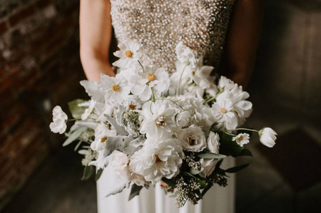 5 Ways to Preserve Your Bouquet as a Wedding Day Keepsake