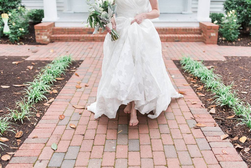 bride walking barefoot