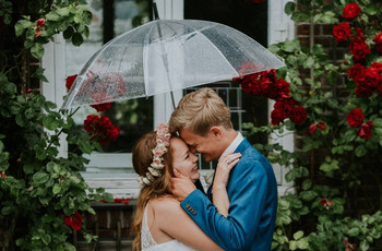 The 8 Benefits of Rain on Your Wedding Day