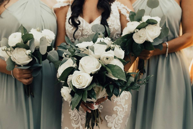 white rose wedding bouquets