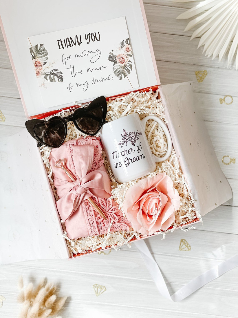 mother of the groom gift box with mug, robe, pen, and sunglasses