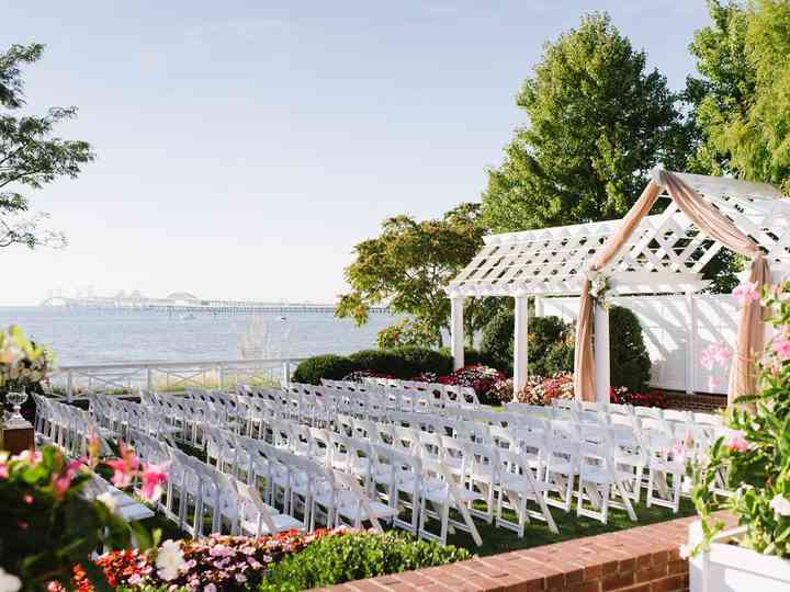 10 Waterfront Wedding Venues That Aren T On The Beach Weddingwire