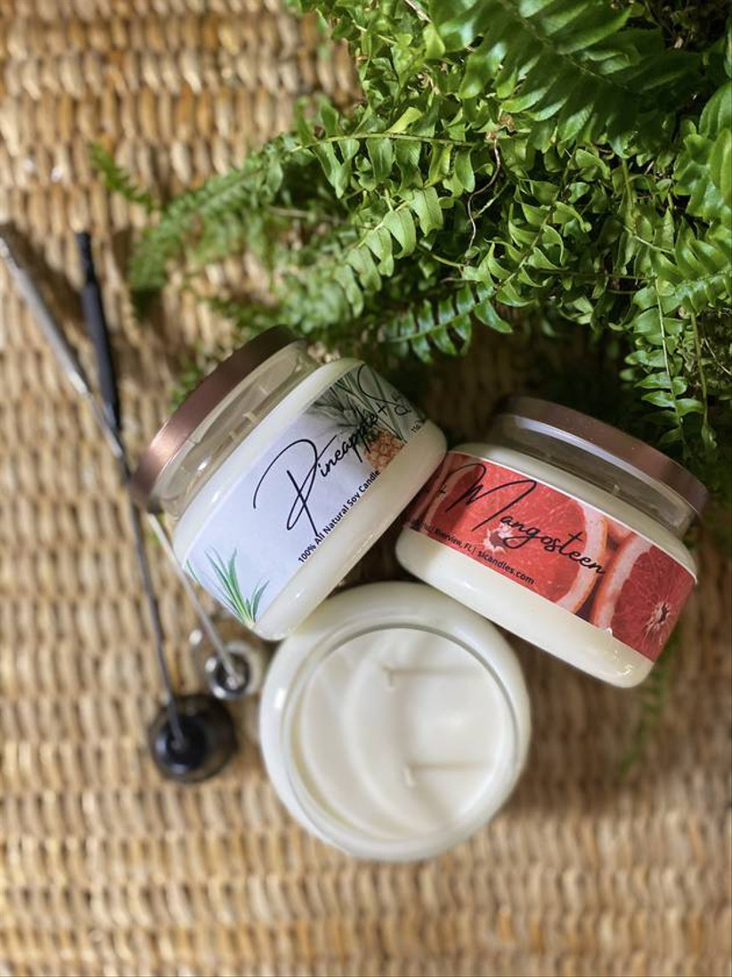mini scented candles in glass jars with lids