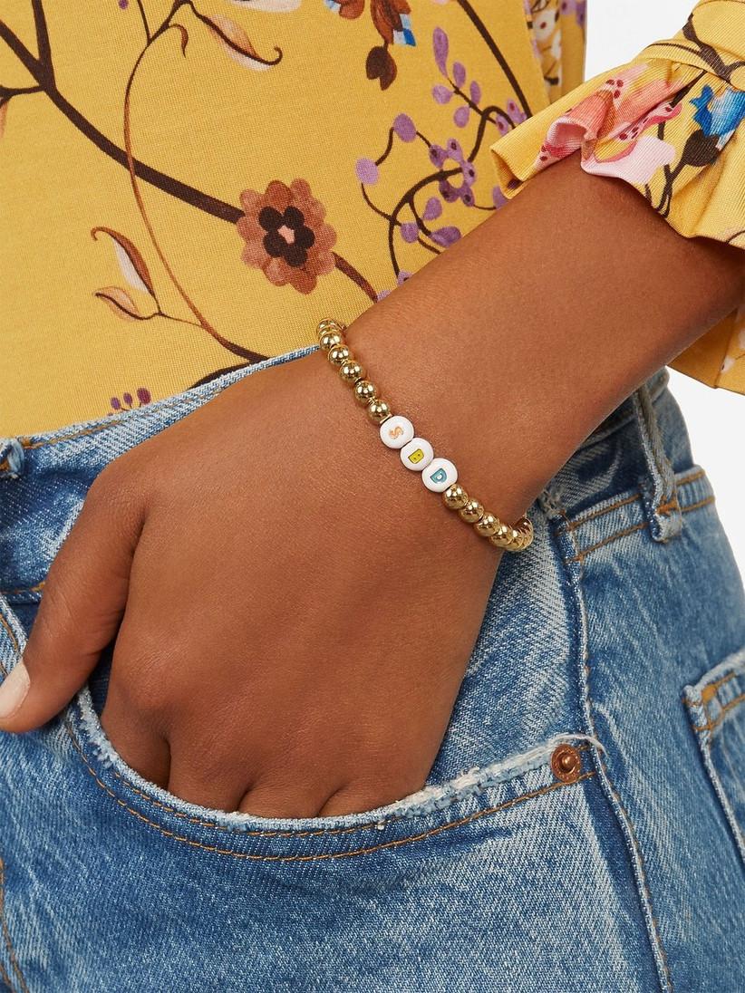 Friendship bracelet bridesmaid box idea