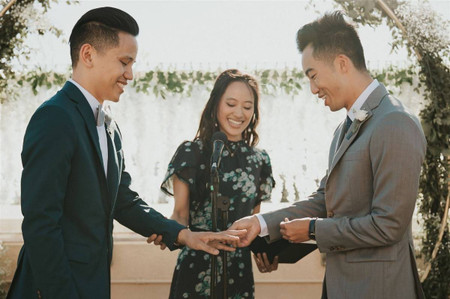What Is a Wedding Officiant? The 4 Types You Need to Know