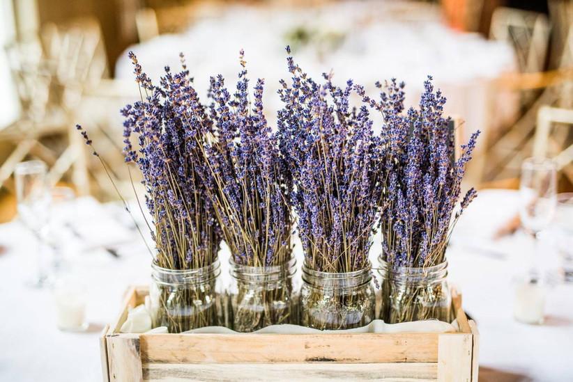 bundles of lavender in mason jars