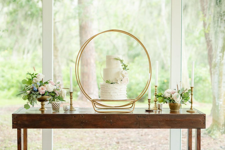 11 Sweet Wedding Cake Trends That Will Make a Statement in 2022