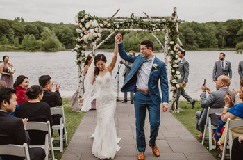 18 Lakeside Wedding Venues for the Ultimate Waterfront Event