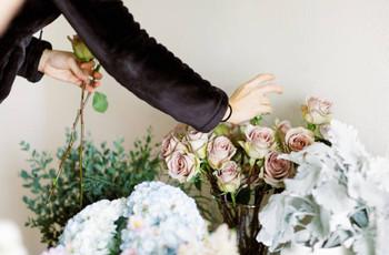 13 Wedding Flowers That Are Always in Season