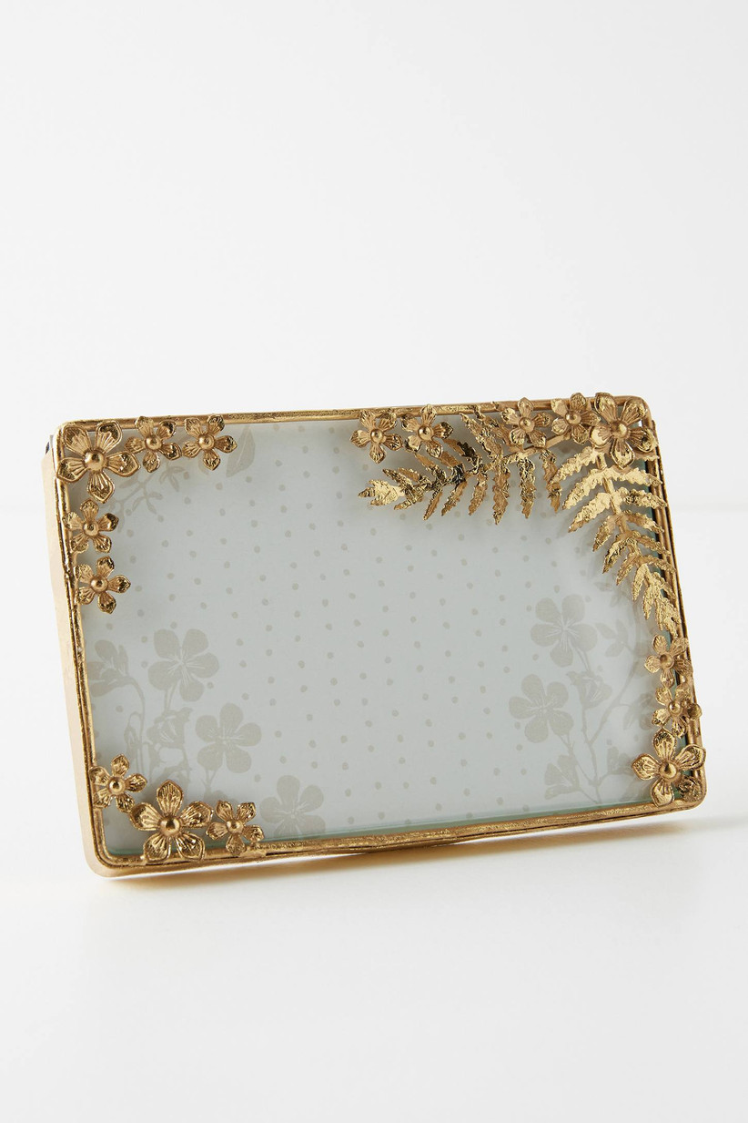 gold picture frame for engagement photos