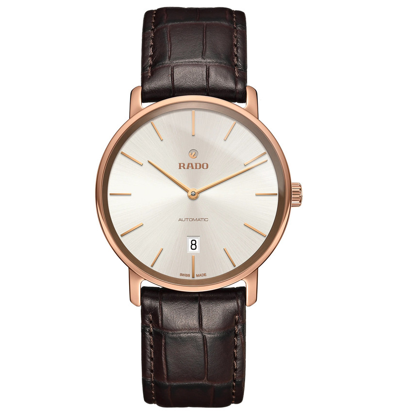 Leather engagement watch with bright dial