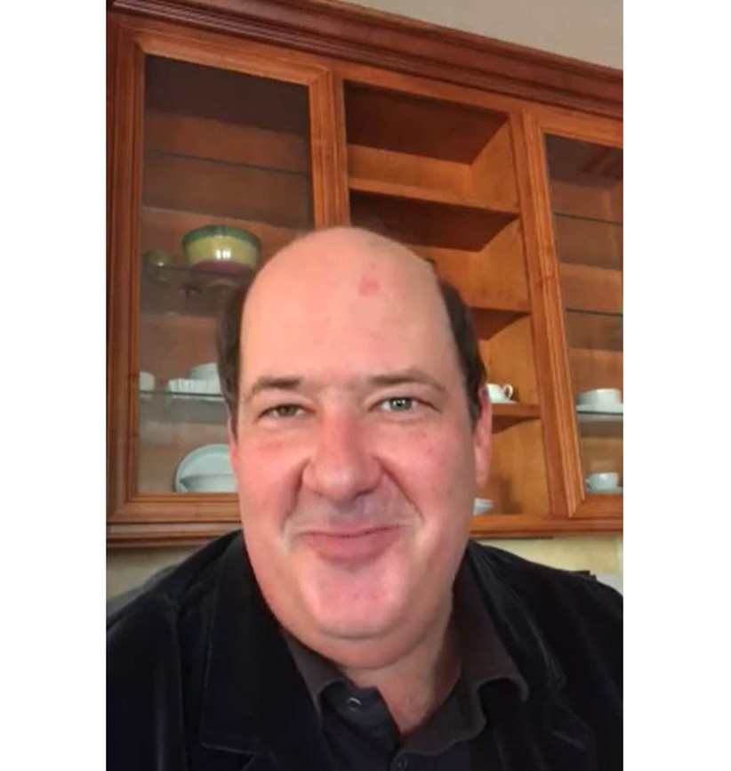 Brian Baumgartner from The Office doing a celebrity cameo