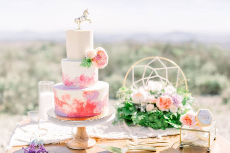 17 Three-Tier Wedding Cakes That Make Show-Stopping Desserts