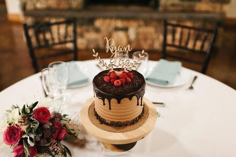 21 Delicious Wedding Cake Flavor Combinations Weddingwire