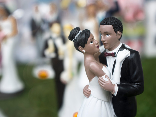 16 Black Couple Wedding Cake Toppers to Personalize Your Cake