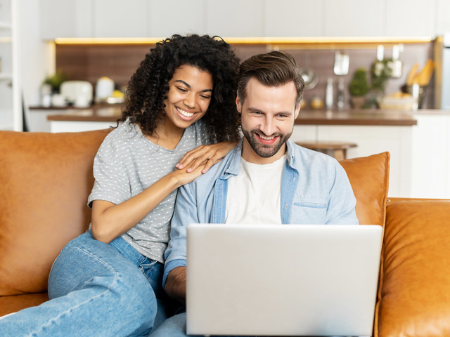 """Here's How to Write the """"Our Story"""" Section on Your Wedding Website"""