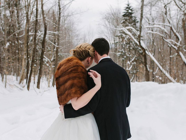How to Throw an Outdoor Winter Wedding