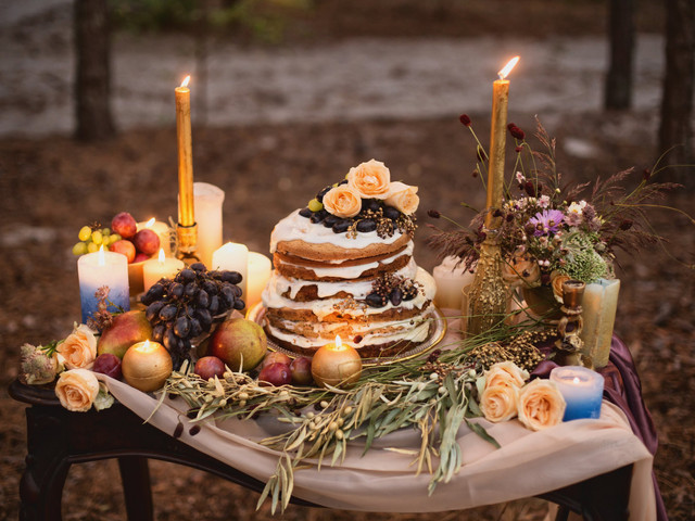 20 Naked Wedding Cakes That Are Better Without Frosting