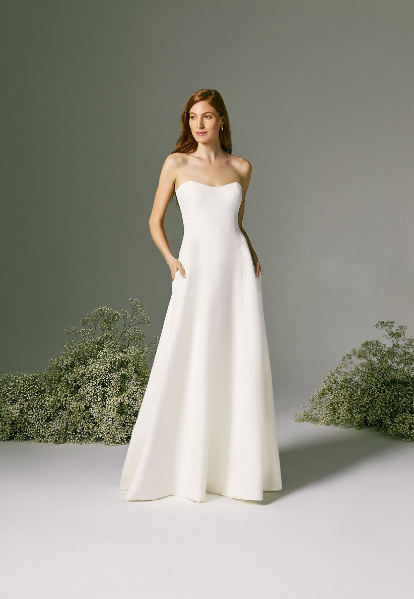 simple A-line wedding dress with sweetheart neckline and pockets