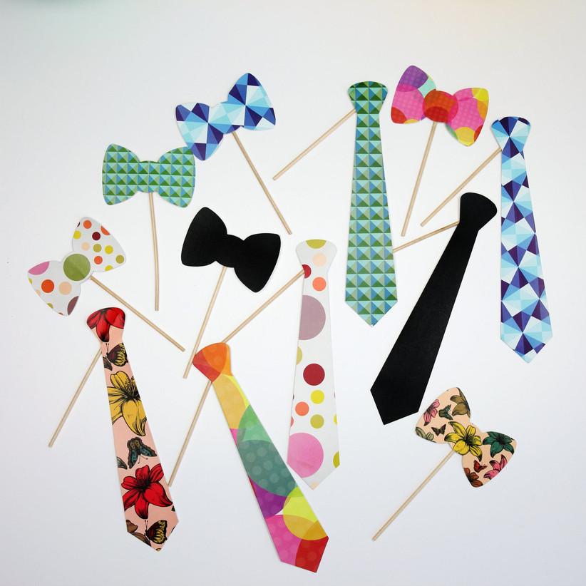 paper ties on sticks