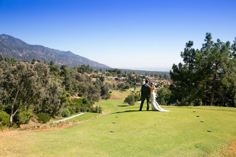 bride and groom outdoor golf course