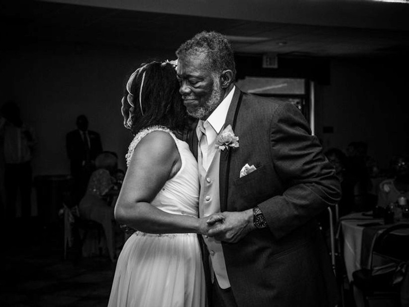 father daughter dancing at wedding