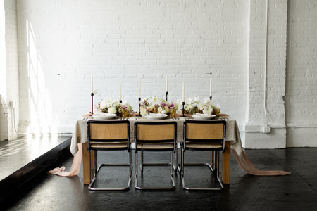 20 Minimalist Wedding Ideas For the Ultimate Simple & Chic Day