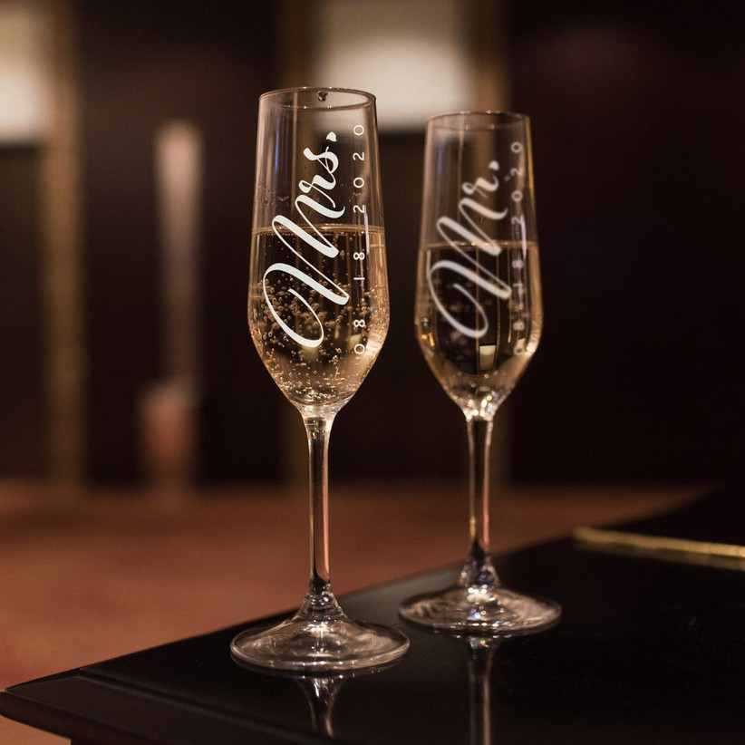 Mr. and Mrs. wedding champagne flutes with date