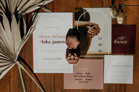 Exactly When to Mail Your Wedding Invitations
