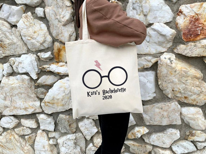 custom harry potter bachelorette party tote bag decorated with glasses and lightning bold motif