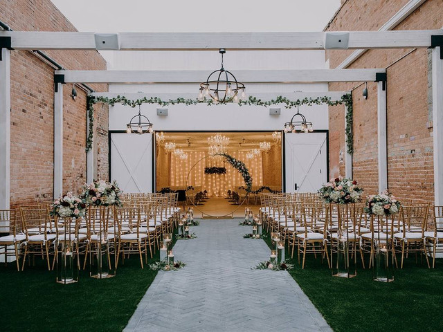 24 Industrial Wedding Venues With Historic yet Modern Style