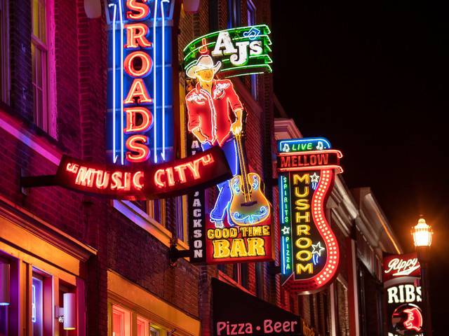 Your Guide to Planning the Ultimate Nashville Bachelorette Party