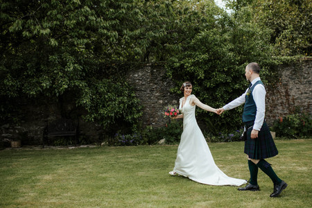 14 Irish Wedding Ideas That Celebrate Gaelic Pride